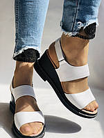 Модні босоніжки, білі на невисокій платформі.Натуральна шкіра. Розмір 37.38,39.40.Туреччина. Магазин Vellena, фото 2