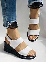 Модные босоножки, белые на невысокой платформе.Натуральная кожа. Размер 37.Турция. Магазин Vellena, фото 3