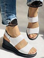 Модні босоніжки, білі на невисокій платформі.Натуральна шкіра. Розмір 37.38,39.40.Туреччина. Магазин Vellena, фото 4