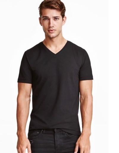Базовая мужская черная хлопковая футболка с вырезом H&M     Размер XL Оригинал