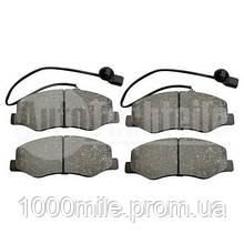 Дисковые тормозные колодки (задние) с датчиком  на Renault Master III 2010-> —AUTOTECHTEILE 5040184