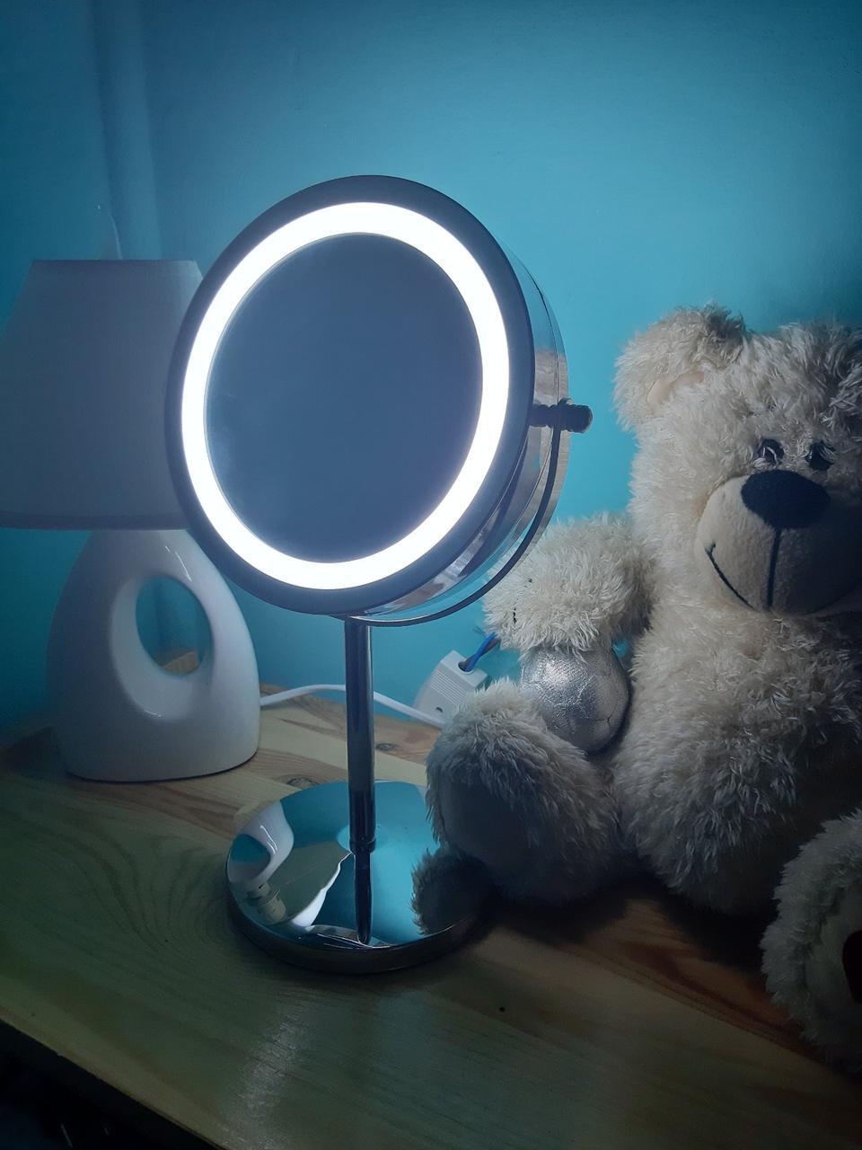 Зеркало настольное с LED подсветкой диаметр 15 см.