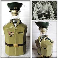 Декор бутылки в форме рядового погранвойск СССР по фотографии заказчика Подарок пограничнику, фото 1