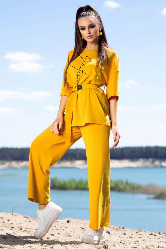 Женский прогулочный костюм летний цвет горчица