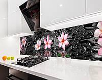 Кухонный фартук Гавайские Цветы и Капли Воды (наклейка виниловая, скинали для кухни, самоклеющаяся пленка) черный, 600*2500 мм
