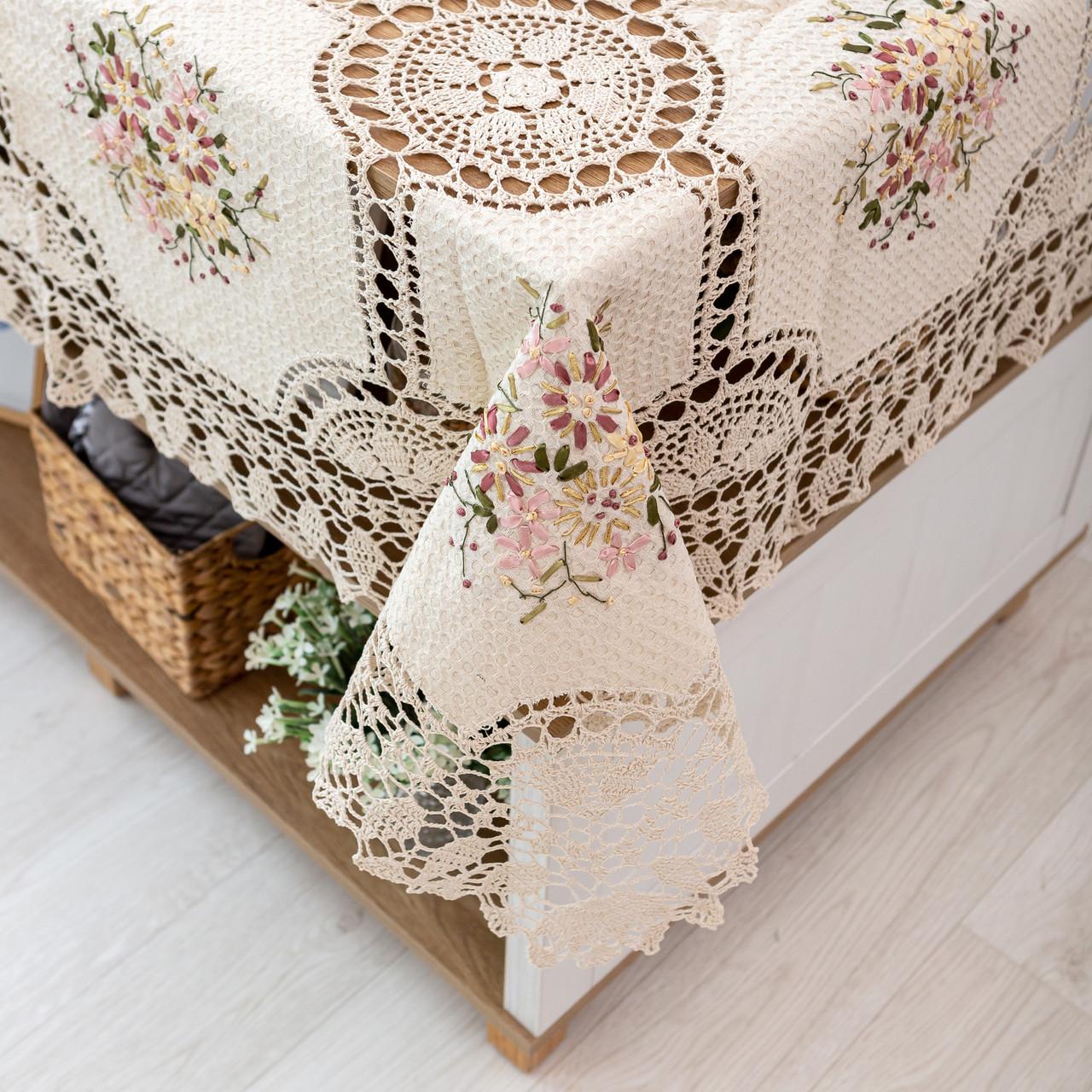 Праздничная скатерть с цветами 100х150