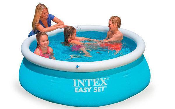 Семейный надувной бассейн Intex 28101