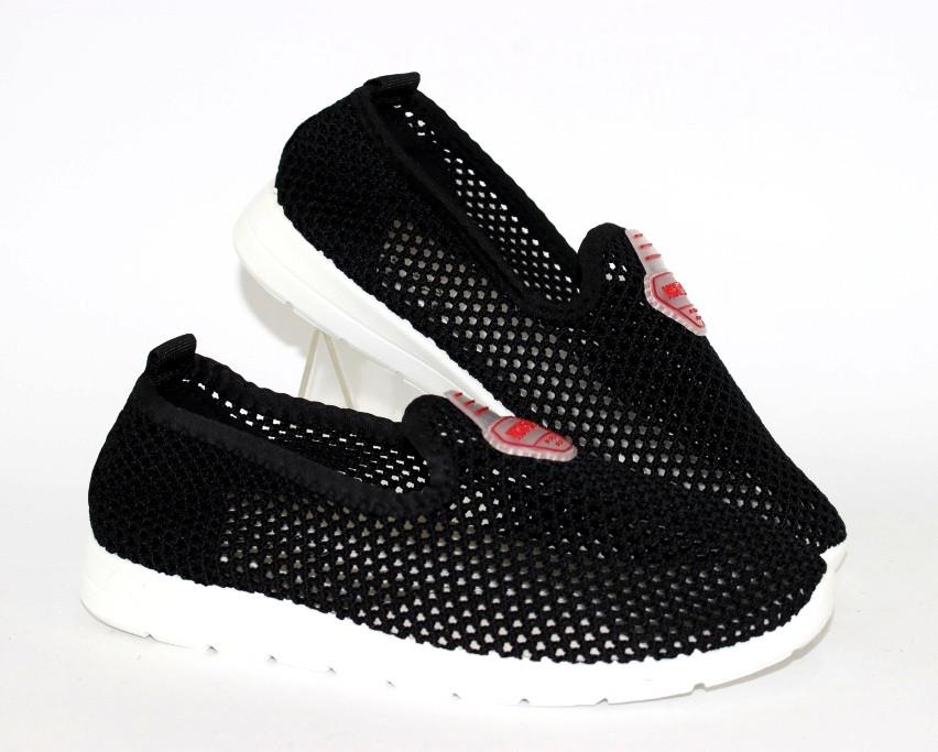 Женские кроссовки с неоновой сеткой в черном