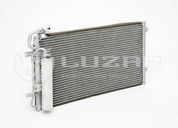 Радиатор кондиционера LUZAR LRAC0127