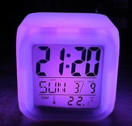 Светящиеся часы будильник термометр ночник хамелеон ave