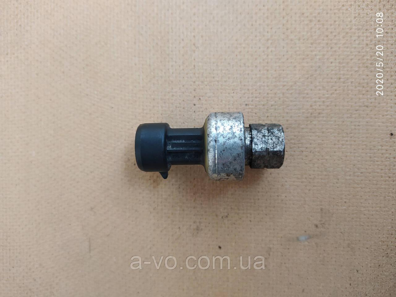 Датчик давления фреона Renault Kangoo  417506 7700417506
