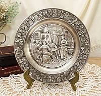 Оловянная коллекционная настенная тарелочка, олово, Германия, Трактирщик, фото 1