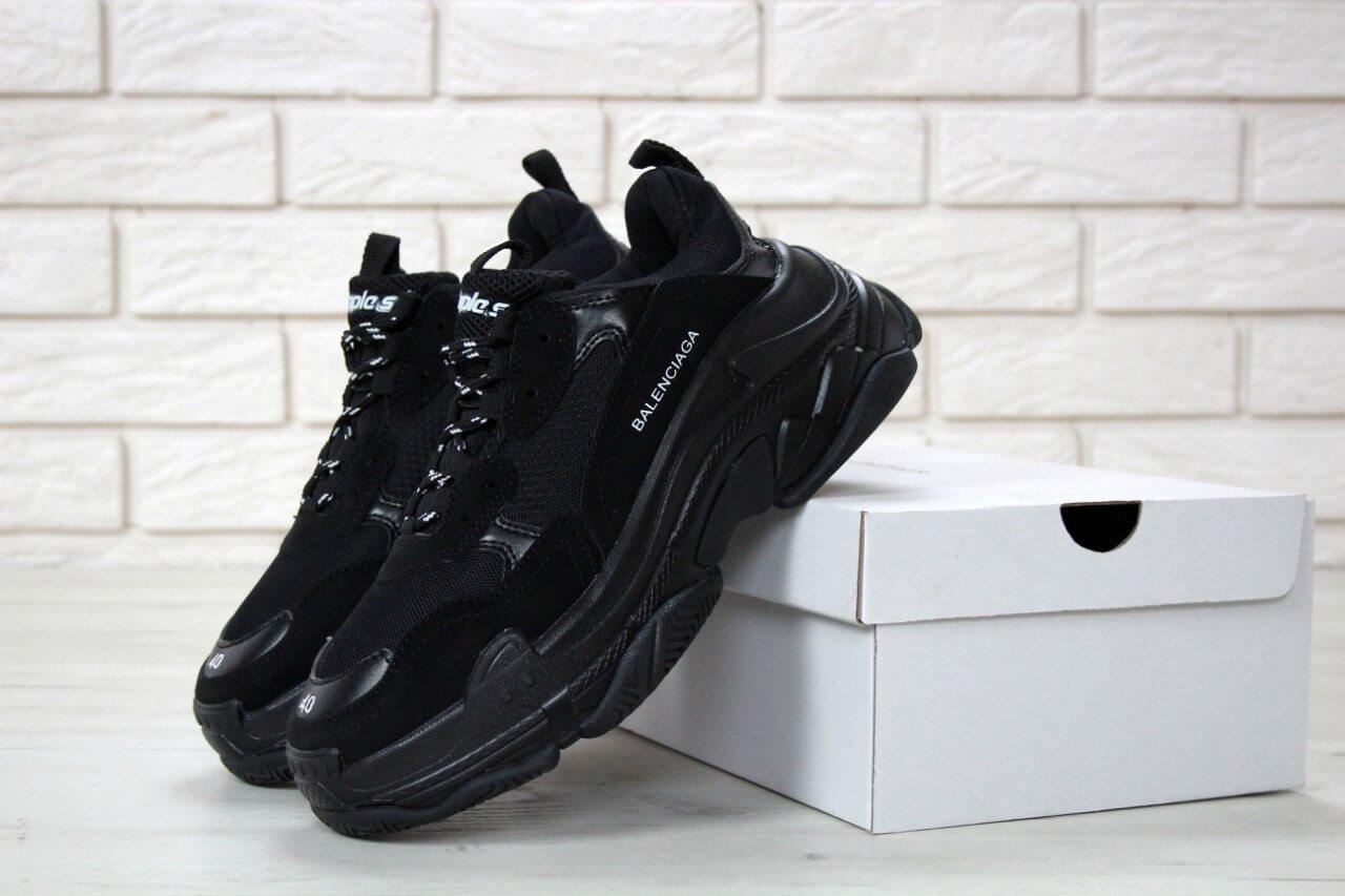 Кроссовки Balenciaga Triple S Triple Black (Баленсиага Трипл С черные) мужские и женские размеры