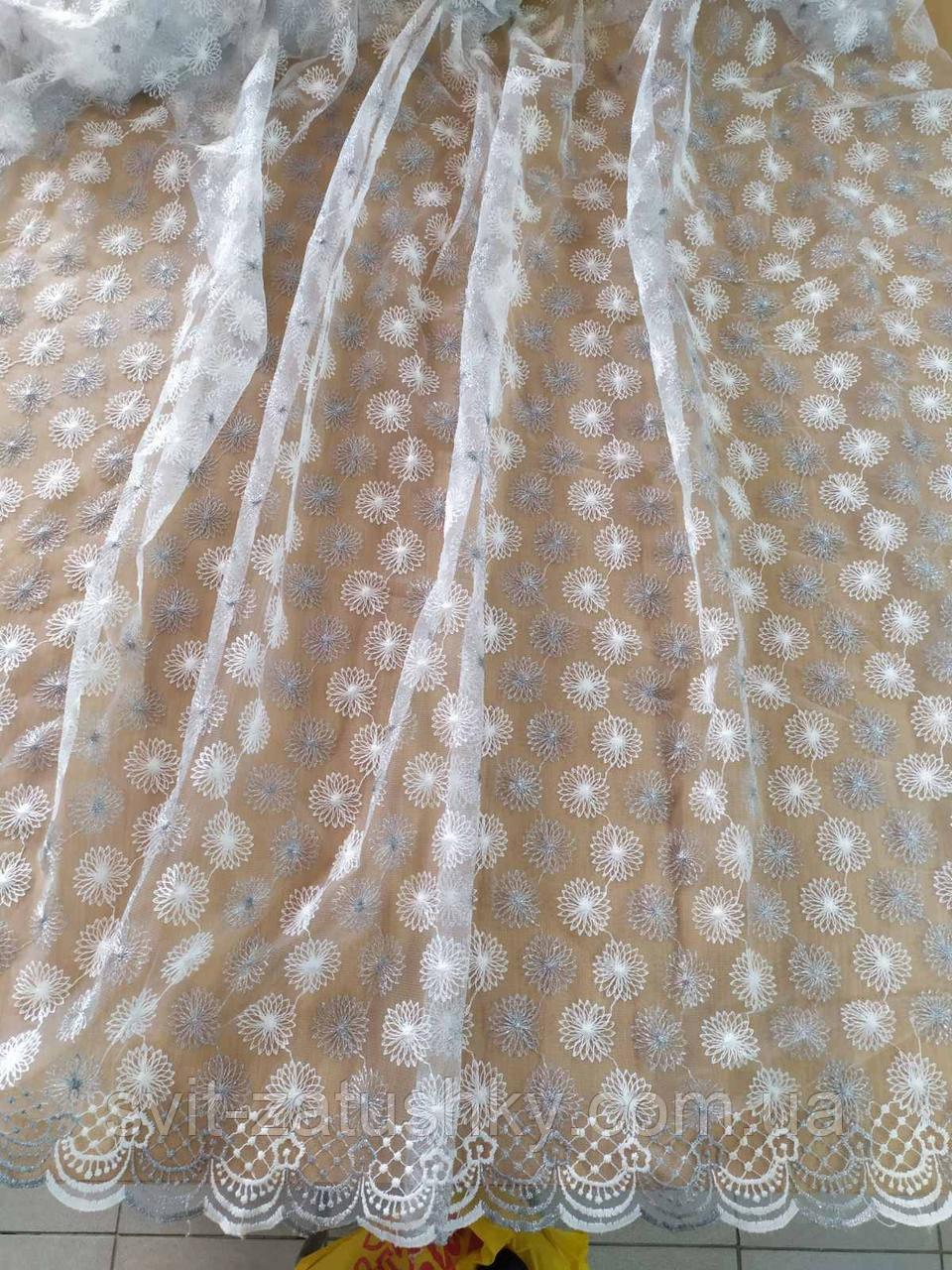 Тюль біла з серебристою вишивкою на сітці/ Гардина белая с серебристой вышивкой на фатине