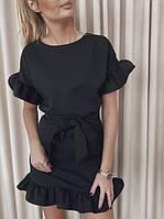 Черное летнее платье мини с воланами на рукавах и пояском