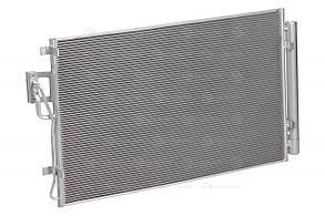 Радиатор кондиционера с ресивером Hyundai Santa Fe (06-) 2.4/3.3i / SORENTO USA (LRAC 0830) Luzar976061U10030