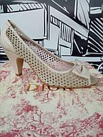 Туфли женские кожаные перфорированные итальянского бренда Lea-gu