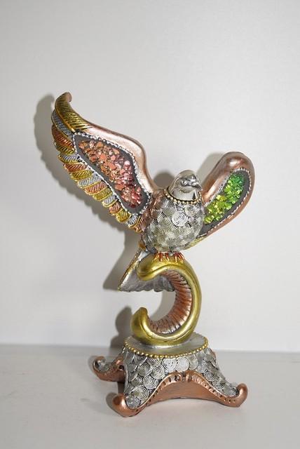 Золотая серия-статуэтка голубь