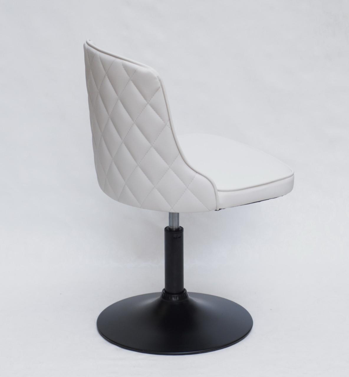 Кресло Адам ADAM ВК-BASE белая экокожа на черном  диске, стеганная спинка