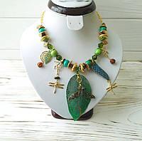 Зеленое авторское колье Стрекоза из натурального нефрита, хризолита, бирюзы, фурнитуры с патиной