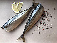 Скумбрія копчена 350-450 грам шт.