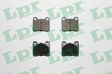 Тормозные колодки задние 190 W201 / W202 / W124