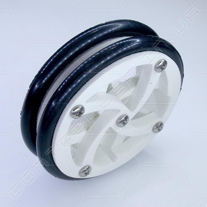 Колесо пластиковое с резиновой покрышкой диаметр 67мм толщина 20мм.