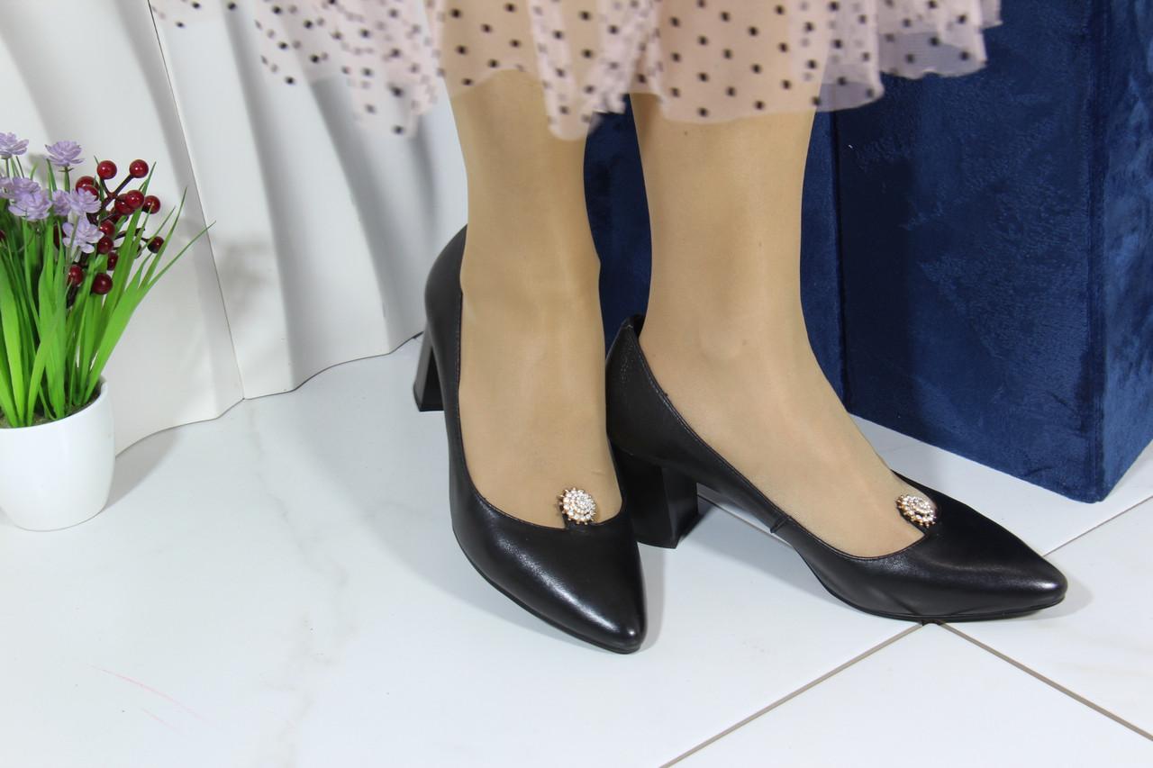 Стильні туфлі на підборах Berloni 202