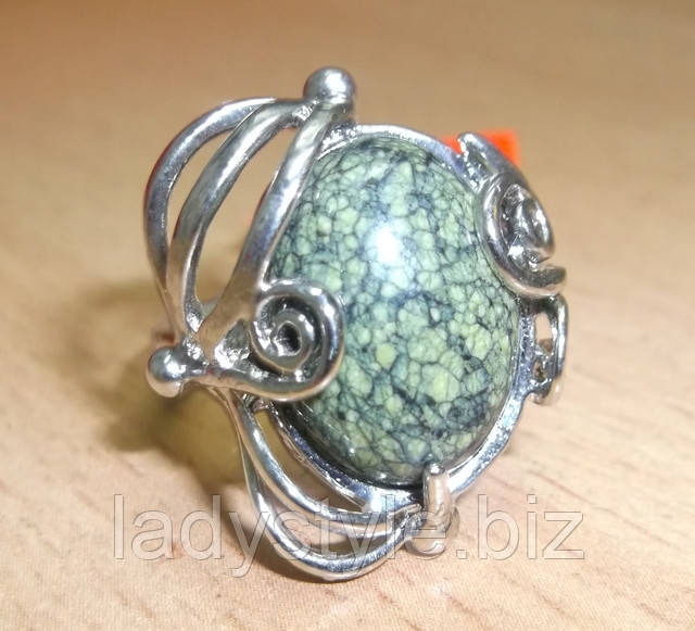 кольцо перстень горный хрусталь змеевик серпентин сапфир топаз кианит аппатит купить украшения подарок талисман камень оберег