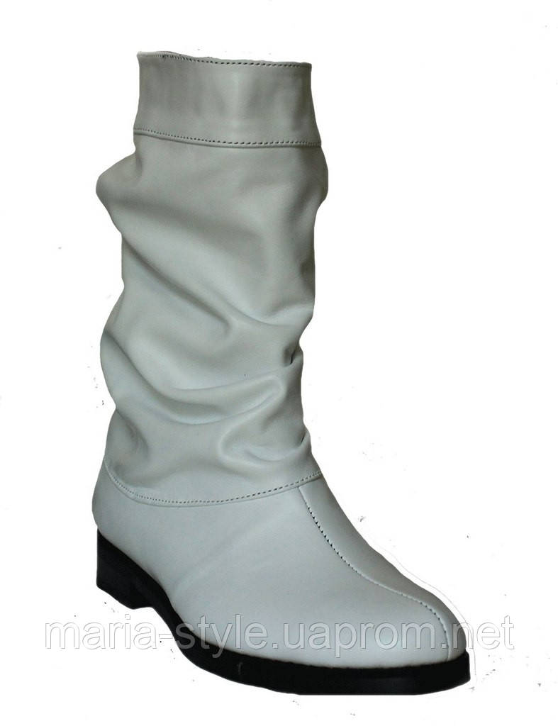 Женская одежда из белой кожи