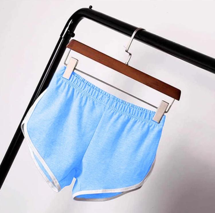 Короткі жіночі спортивні шорти без кишень блакитні