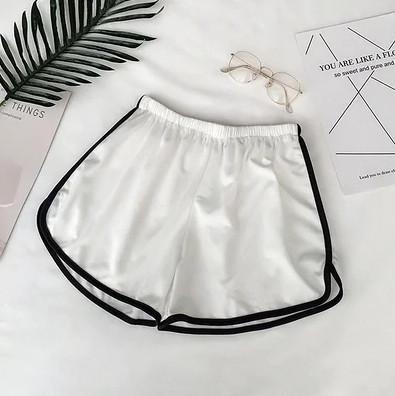 Білі жіночі спортивні короткі шорти на гумці