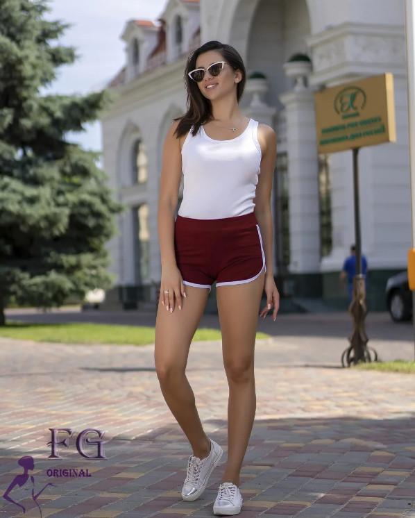 Бордові жіночі спортивні короткі шорти без кишень