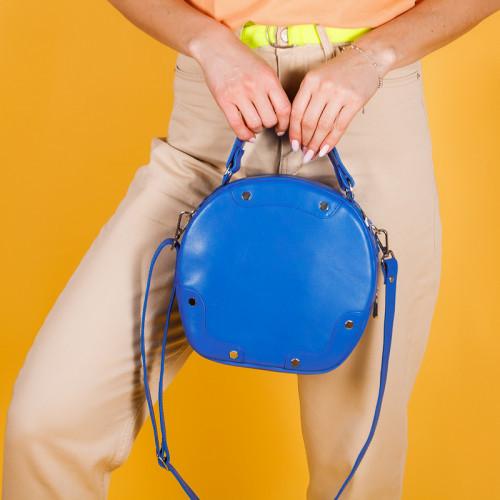 Женская яркая сумочка в любом цвете кожи или замши. Комплекты с обувью.