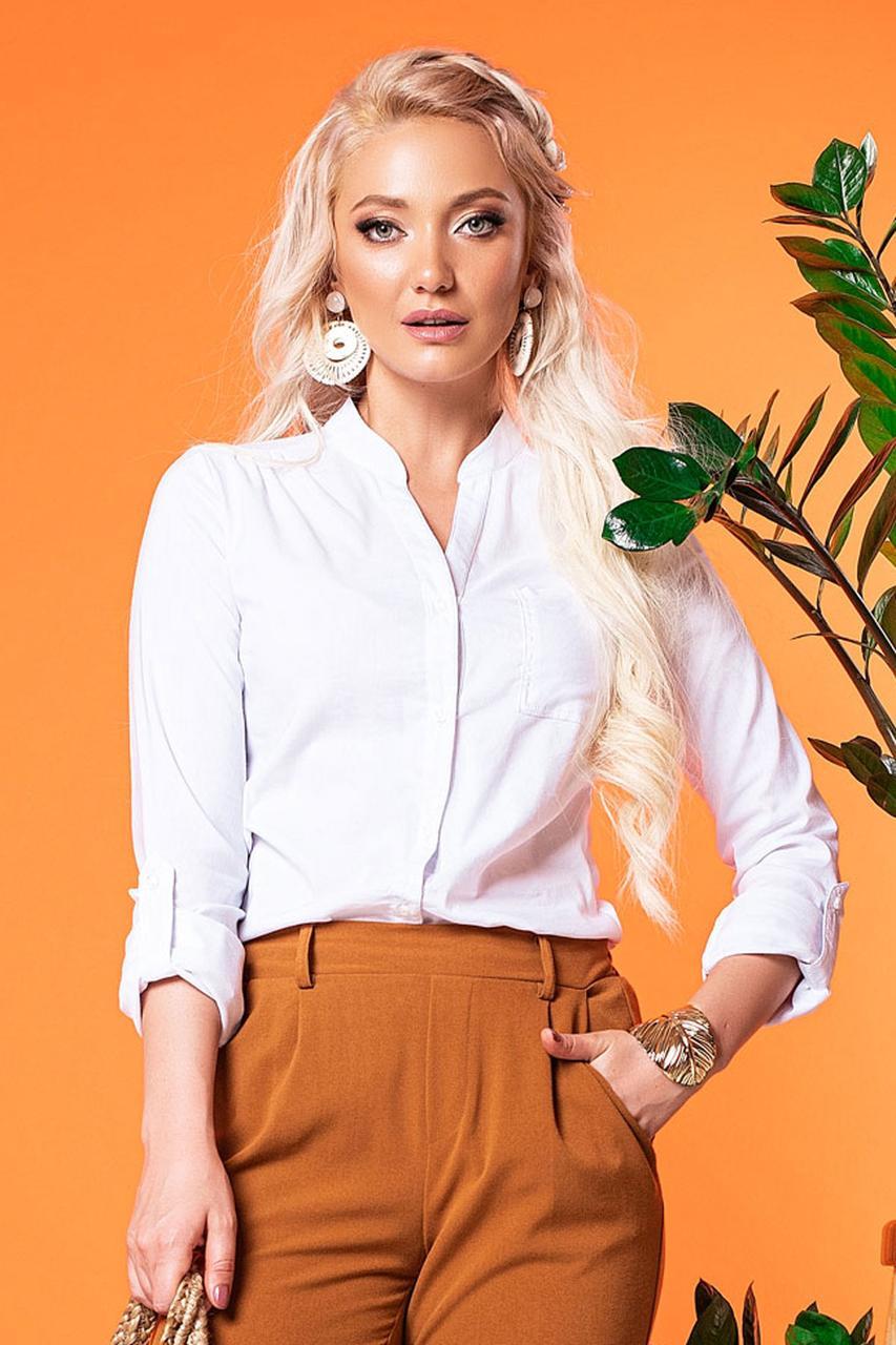 Белая блузка на стойке