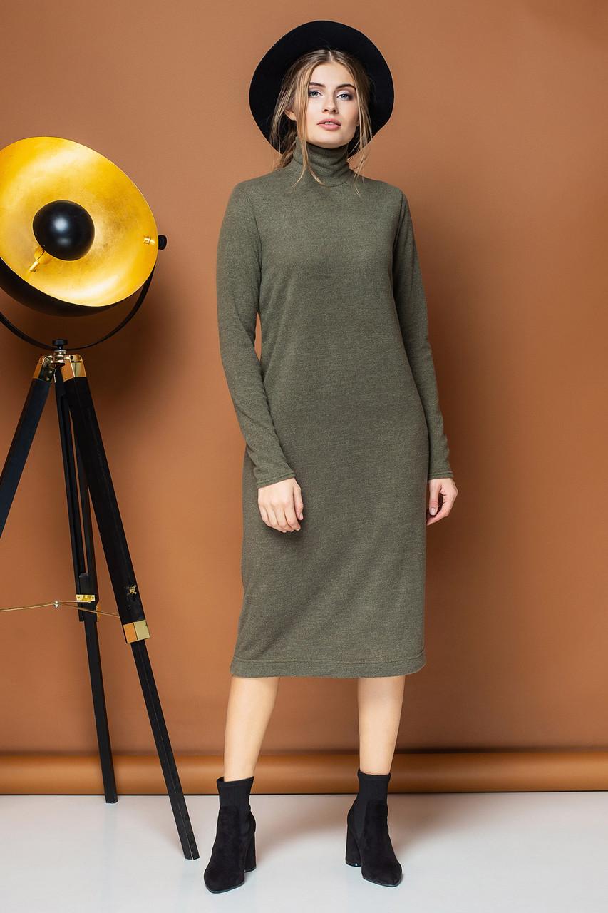 Прямое платье цвета хаки с воротником под горло