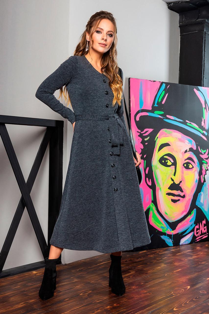 Платье с V-образным вырезом и пуговицами цвета графит