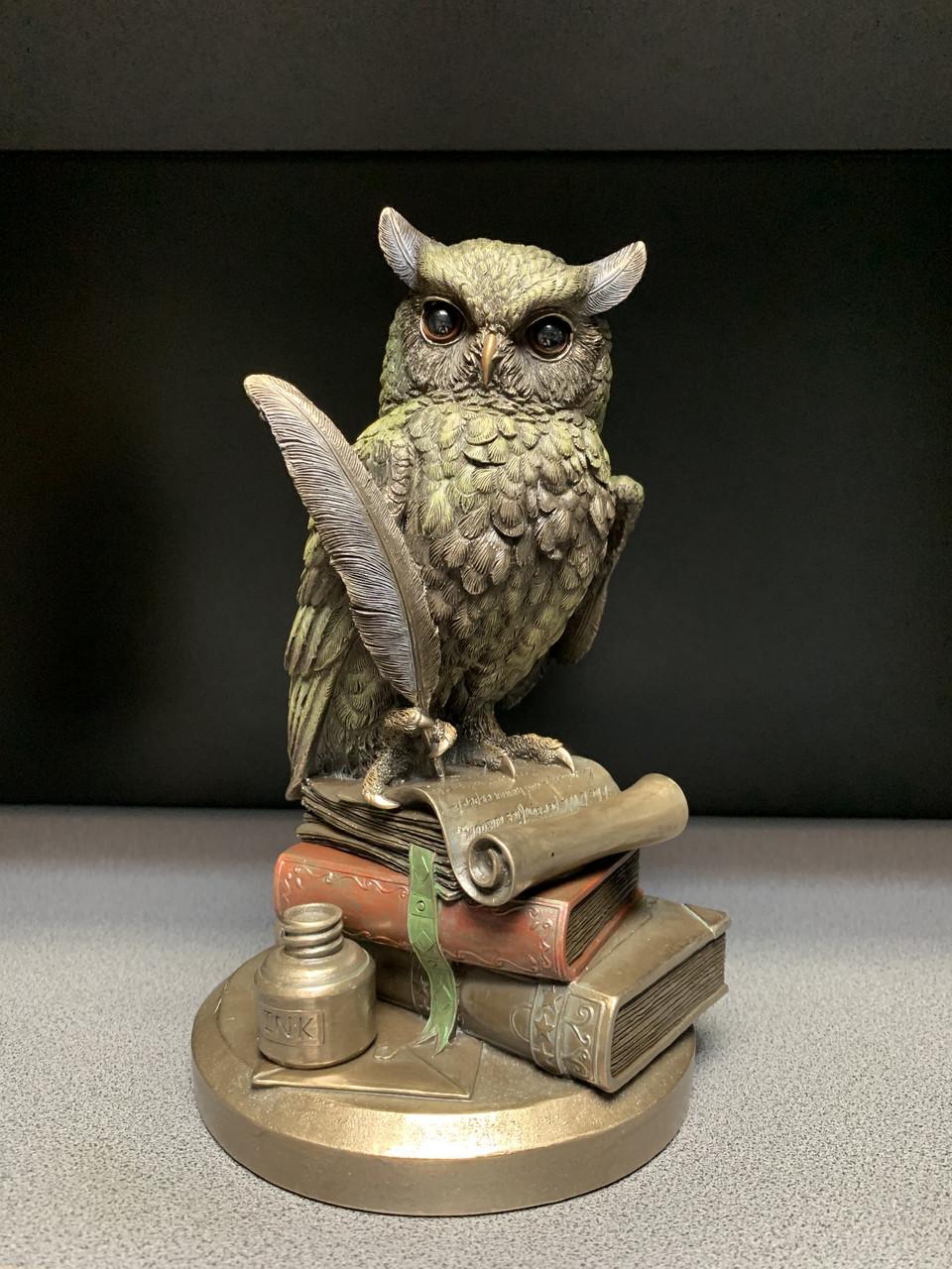 Статуэтка Сова на книгах с пером Veronese 23 см, символ мудрости