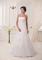 Элегантное свадебное платье с кружевом и корсетом