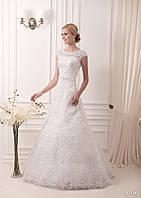 Свадебное платье А-силуэта с прекрасной аппликацией по всей длине