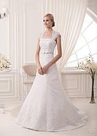 Элегантное  свадебное платье с нежным пояском-бантом и красивим шлейфом