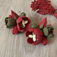 """Красно-зеленые серьги с цветами """"Тюльпаны с фрезиями"""""""