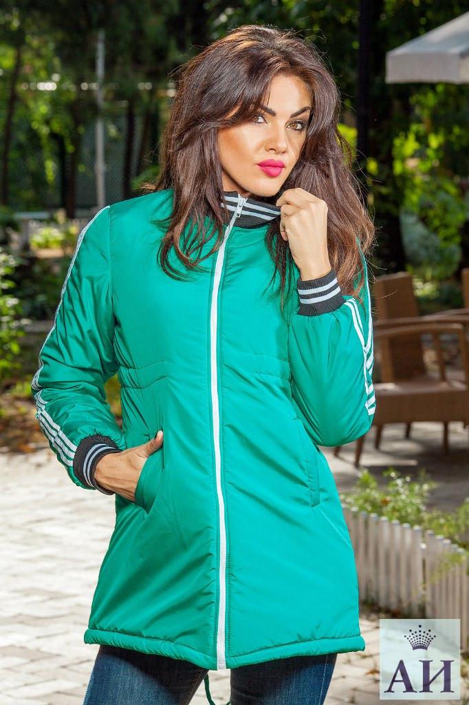 Стильная женская куртка с манжетами