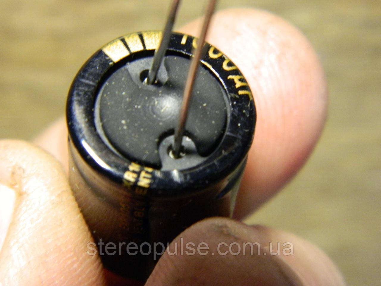 Конденсатор  1000 мкФ  -35 В  105*  Hitano