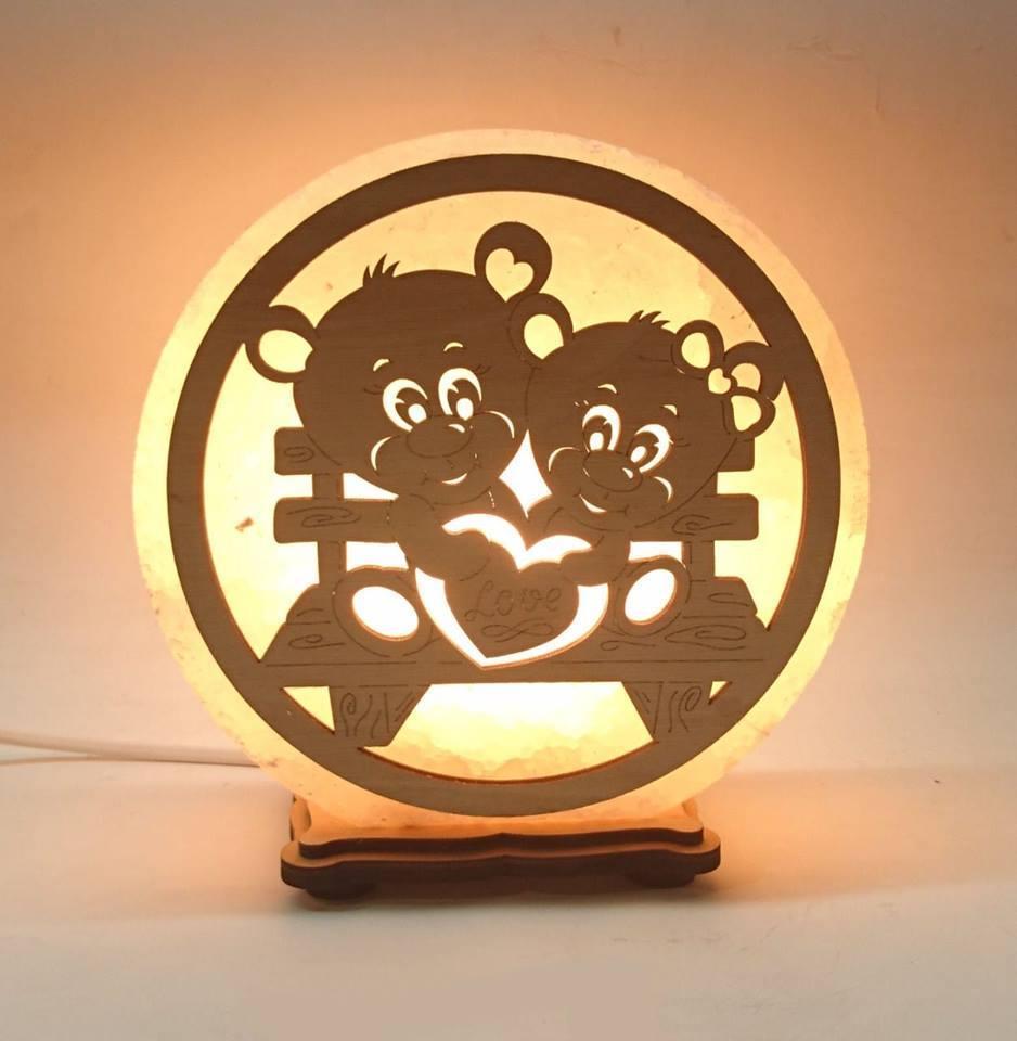 Соляной светильник круглый Мишки на лавочке