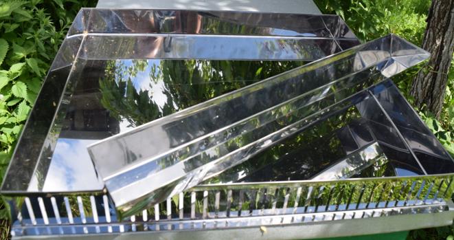 Арматура солнечной воскотопки на 2 рамки из нержавеющей стали марки AISI 430