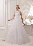 Романтическое свадебное платье с широким бантом и юбкой в мелкую складку