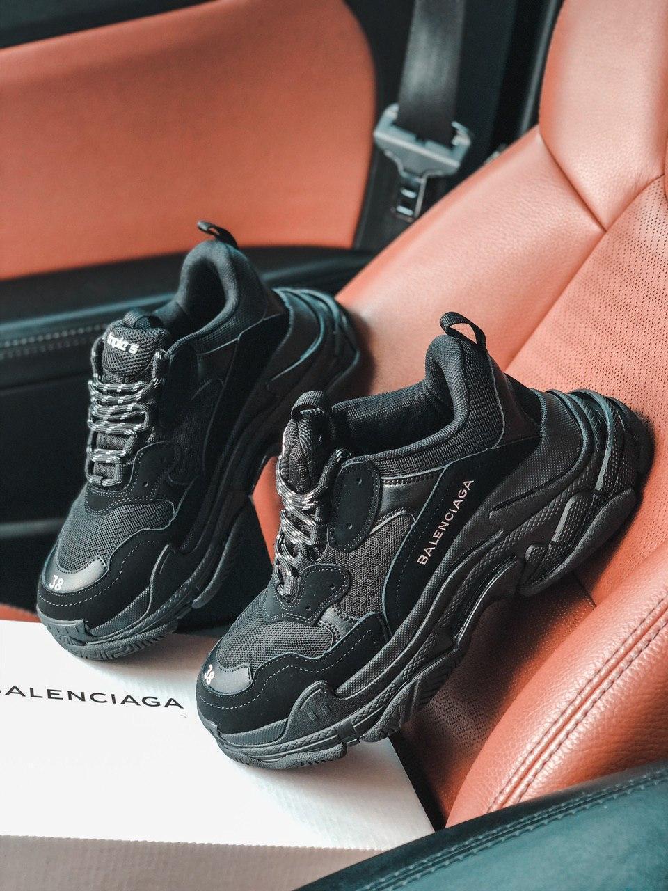 Кроссовки  BALENCIAGA Triple S Black