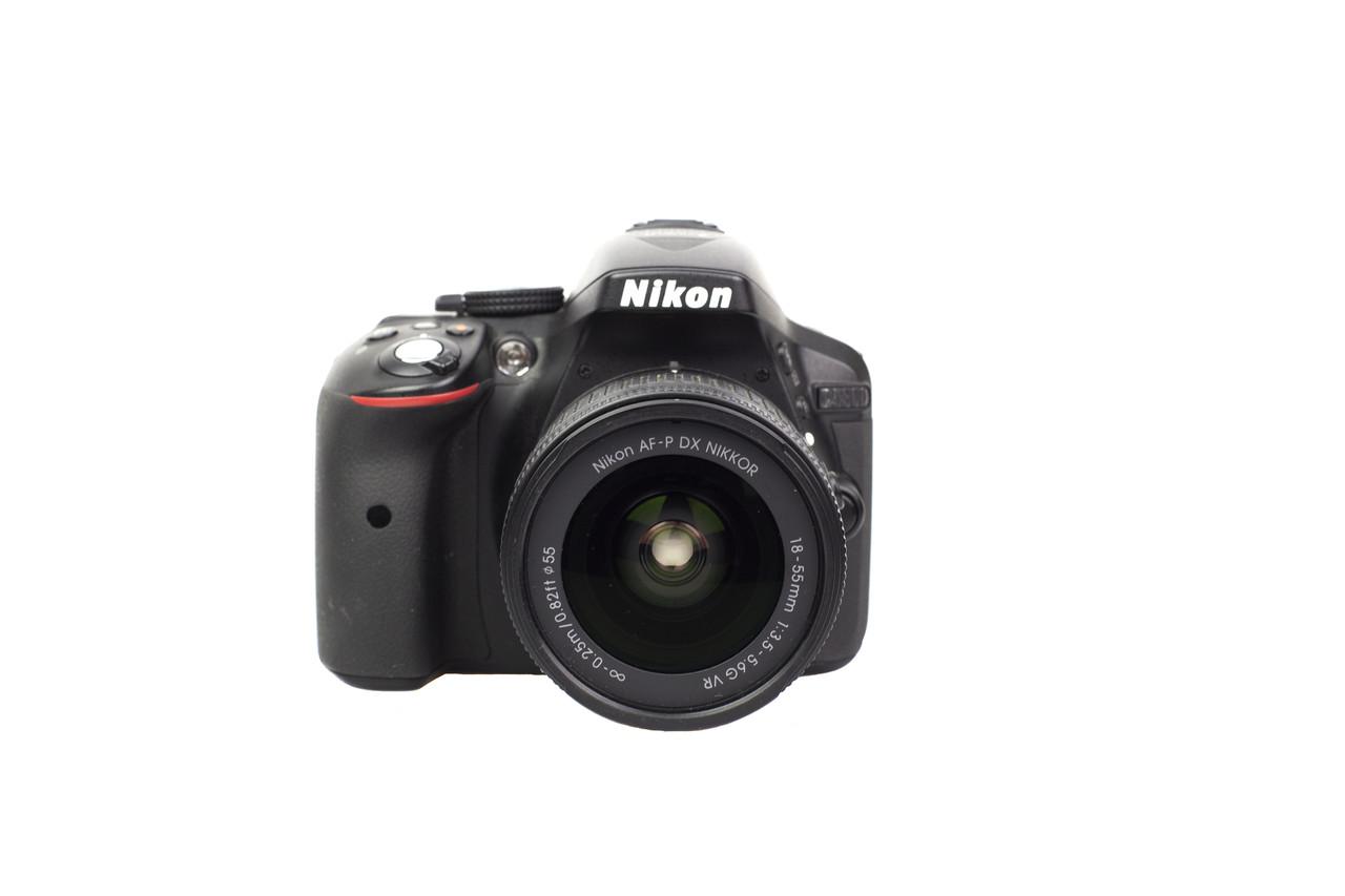 Зеркальный фотоаппарат Nikon D5300 kit AF-P 18-55 VR Витринный образец  / в магазине