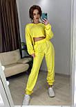 Женский спортивный костюм с топом с капюшоном и штанами на манжетах 7205918, фото 5